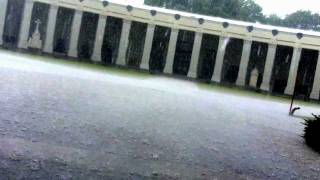 preview picture of video 'Wien, Simmering, Zentralfriedhof. Unwetter am 27.05.2011'