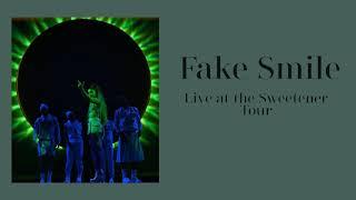 Ariana Grande Fake Smile Live At The Sweetener Tour (HQ AUDIO)