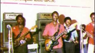 Tangawusi (Papa Noel) – T.P. O.K. Jazz 1982