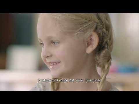 Video v článku Tatínkové si hrají s Barbie. Společná hra s dcerou pomáhá budovat její sebevědomí