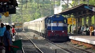 preview picture of video 'Uniform liveried 12220 SC-LTT Duronto chuggs away action-packed Pimpri station!'