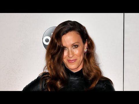 What Alanis Morissette's Ablaze is really about