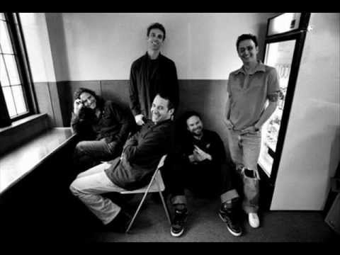 Pearl Jam - Supersonic + lyrics