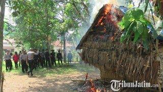 Polisi Musnahkan 3 Rumah yang Diduga sebagai Tempat Penyedia Sabu di Bangkalan