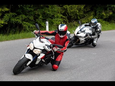 Triumph-Duell | Daytona 675 R vs Street Triple 675 R + English Subs