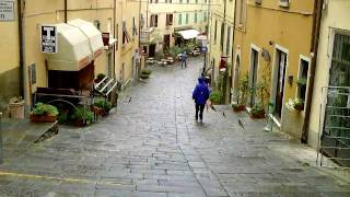 preview picture of video 'Castagneto Carducci im Regen'