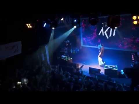 ЛСП - Не нужна [live @ Театръ, Москва, 20.09.2015]