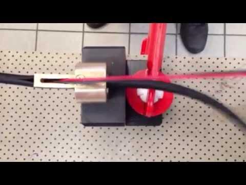 Attrezzo diy per inserimento fili cavi nel corrugato aperto