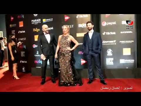 شيرين رضا على السجادة الحمراء في افتتاح الجونة السينمائي: مين نسرين