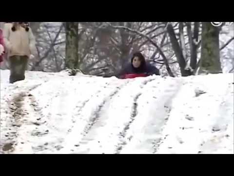 新聞報導員教滑雪的結果