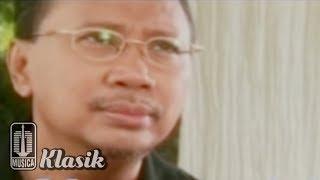 Ebiet G Ade - Tatkala Letih Menunggu (Karaoke Video)