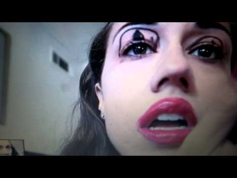 Cat Eye Makeup Tutorial (Miranda Sings)