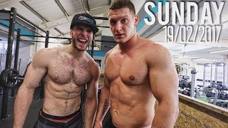 POWERLIFTER does LINDA (Crossfit Workout) for the First Time