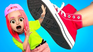 PROBLEMS WITH BIG FEET AND SMALL FEET – I FELL IN LOVE WITH BIG FOOT by La La Life (Music Video)