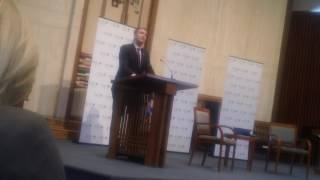 LG Ralph Northam at Temple Rodef Shalom (5/21/17)