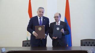 Տեղի ունեցավ Հայաստանի և Տաջիկստանի ԱԳ նախարարների հանդիպումը