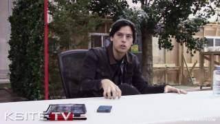 Riverdale On Set : Cole Sprouse