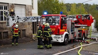 preview picture of video 'Dachstuhlbrand in Wuppertal Unterbarmen'