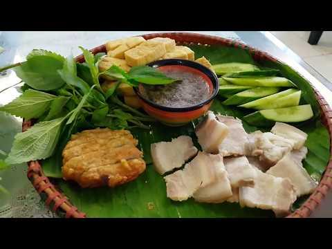Boiled pork shrimp paste กินแปลก! หมูสามชั้นต้มจิ้มกะปิเวียดนาม