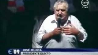 Gambar cover José Mujica el artiguismo en el Frente Amplio y los Tupamaros