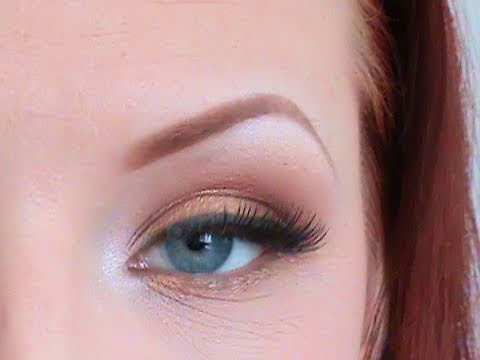 how to make your blue eyes stand out