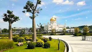 preview picture of video 'Sultan Omar Ali Saifuddien Mosque - 4 November 2018'