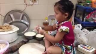 Papa Me Chhoti Se Badi Ho Gayi Kyu Cute Girl Cooking Best Mp3 2018