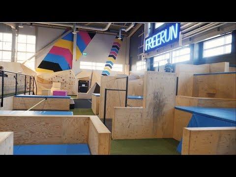 Hoppa 1 timma på Bounce trampolinpark