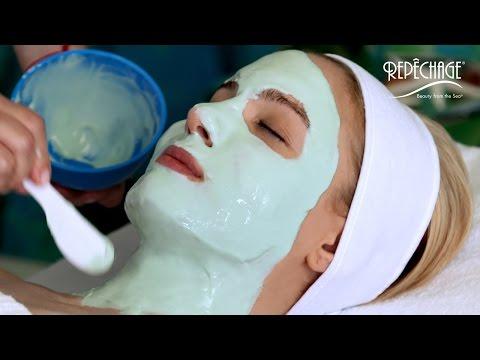 Facial mask na may isang cosmetic langis
