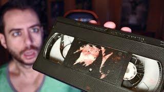 Encuentro cinta de vídeo antigua. Su contenido incluye imágenes duras...