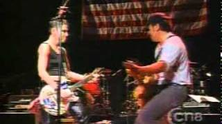 Bruce Springsteen With Joan Jett -Light Of Day (Live) 2001.mpg