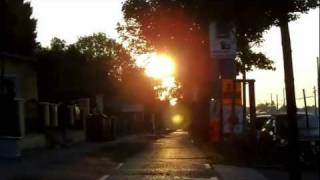 preview picture of video 'Wien, Simmering, Zentralfriedhof. Herbst, kurz nach Sonnenaufgang.'
