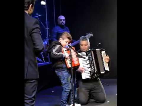 Rafinha, 7 anos, conheceu o cantor sertanejo Daniel no último dia 8 de junho em Urânia; acima, com sua sanfona