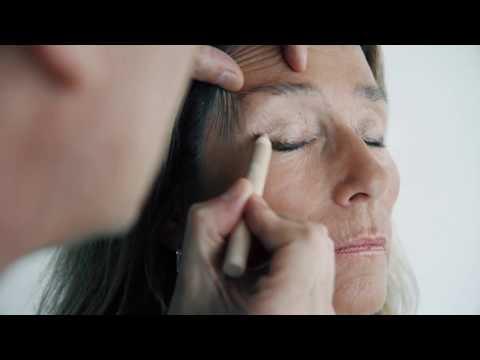 Le masque pour la peau de la personne pour les hommes