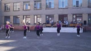 Танец девочек 22 школа 1 часть