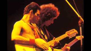 4. Need Your Loving Tonight (Queen-Live In Oakland: 7/14/1980)