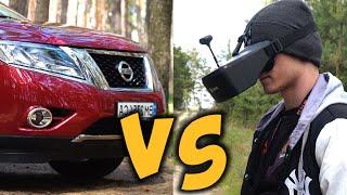FPV-дрон против Nissan Pathfinder. фото