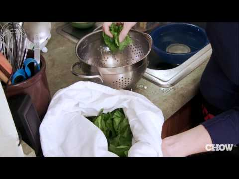Use A Pillowcase To Dry Lettuce