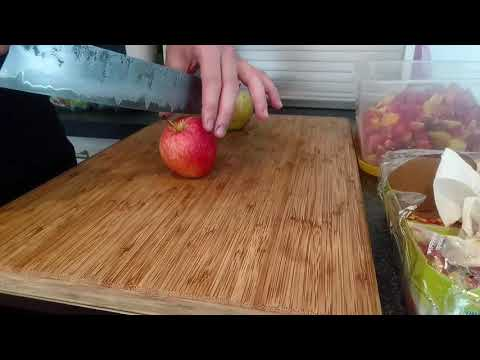 Kohlenstoffstahl Kochmesser 1 - Schnitttest Apfel