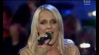 Alenka Godec - Rada bi znova poletela