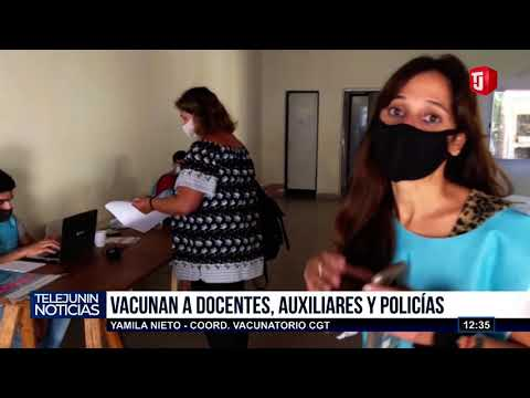 Vacunan a docentes en Junín