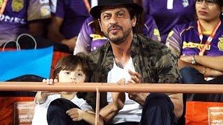 Shahrukh Khan & CUTE AbRam Watches KKR Match In Rajkot - IPL 2017
