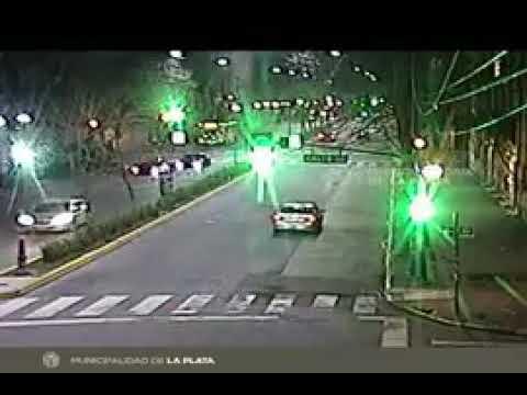 Atropellan a un peatón en avenida 7 y fue registrado por las cámaras de seguridad