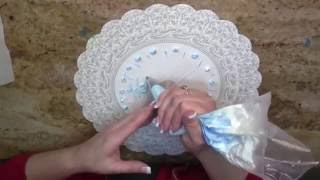 How to Write on a Cake / Cake Decorating