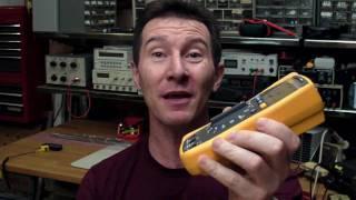 EEVblog #60   Fluke 117 Multimeter Review And Teardown