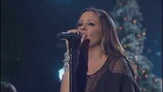 Sara Evans - Go Tell It On The Mountain - CMA Country Christmas