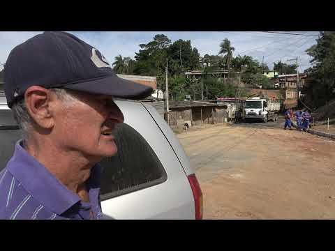Asfalto na Favela dos Brancos em Juquitiba deixa feliz seu Chico da Luz