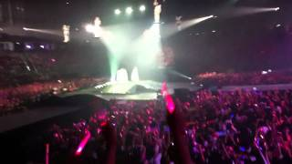 [Fancam]I'm in love with the hero Girls'Generation Tour concert in Bangkok 120212 [by bomtaeyeon]