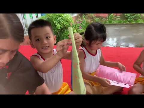 Hoạt động vui đón tết trung thu của các bé 5 tuổi trường mầm non đông phong