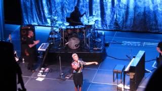 Emeli Sande - Who Needs the World